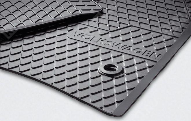Ковры салона резиновые передние, черные 3D1061501A041