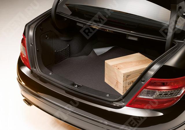 Ковер в багажник противоскользящий (седан/купе, пол с подъемом) A2046840105