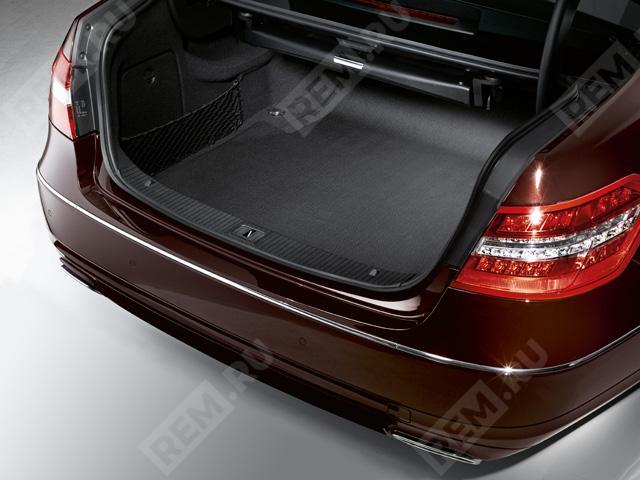 Ковер в багажник противоскользящий (седан) A2126840005