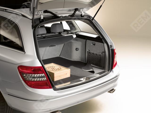 Ковер в багажник противоскользящий (универсал) A2046840205