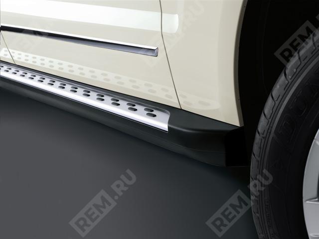 Подножки с алюминиевой накладкой A2046900675