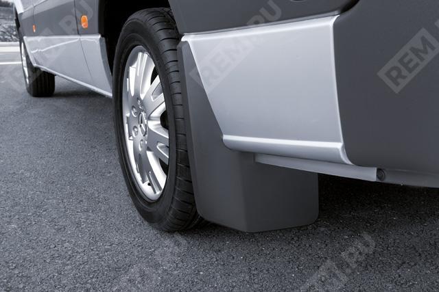Брызговики задние, до 08/2013 (A2–A4, одинарные колеса) B66560781