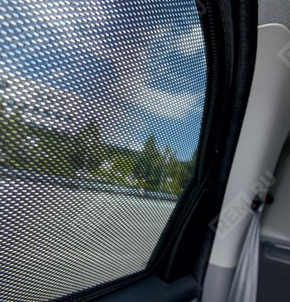 Шторки солнцезащитные задних окон 990E079J33000