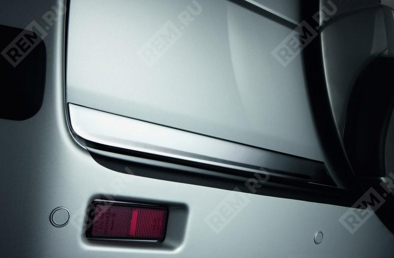 Молдинг двери багажника, хромированный 990E064J36000
