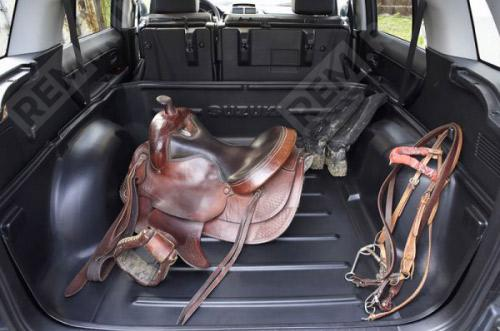 Поддон в багажник (только при сложенных задних сидениях) 990E064J20000