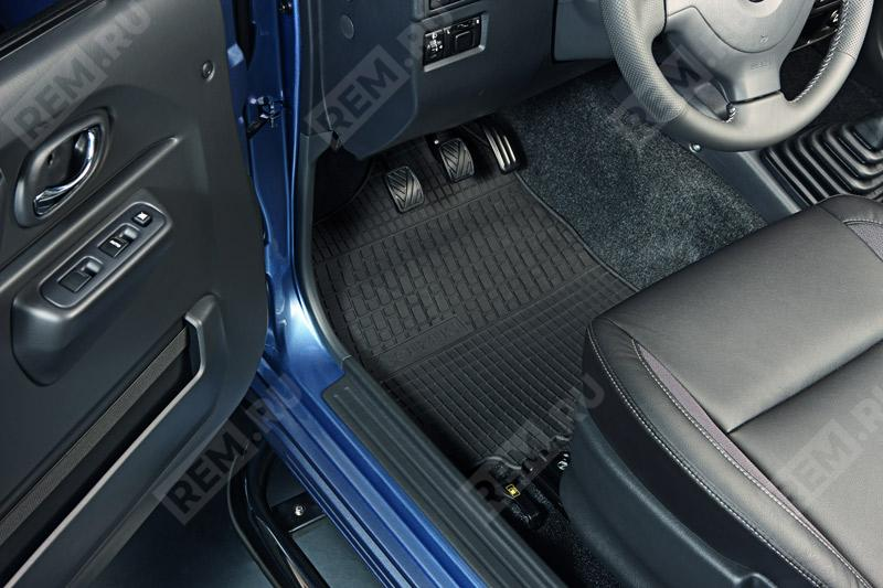 Комплект резиновых ковров салона 99000990AG014
