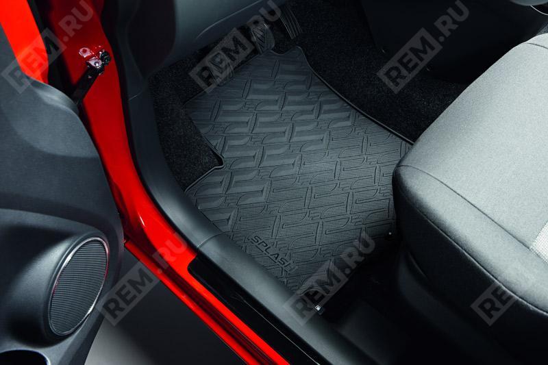 Комплект резиновых ковров салона 990E051K22000