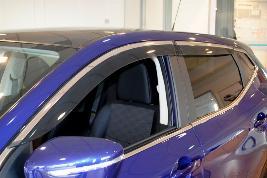 Дефлекторы окон с хромированными молдингами KE8004E010
