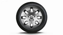 Фото Колесо в сборе R15 с колпаком, Michelin Alpin A4, правое 8X0073515B8Z8