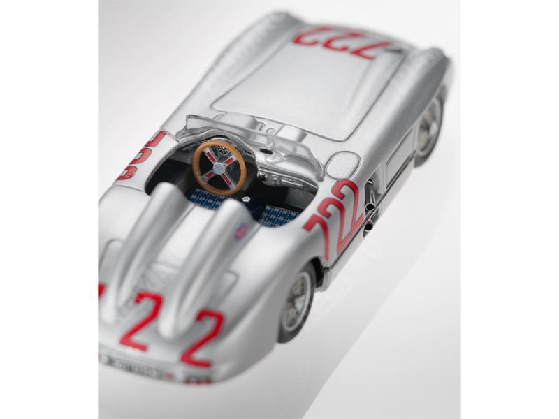 Модель 300 SLR, W 196 (1955), 1:43, серебристый B66040252