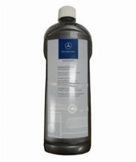 Фото Фирменное чистящее средство для пластиковых деталей, Бутыль 1 л A001986947110