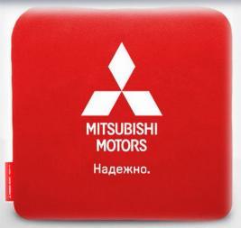 Фото Подушка Mitsubishi автомобильная, красная RU000022