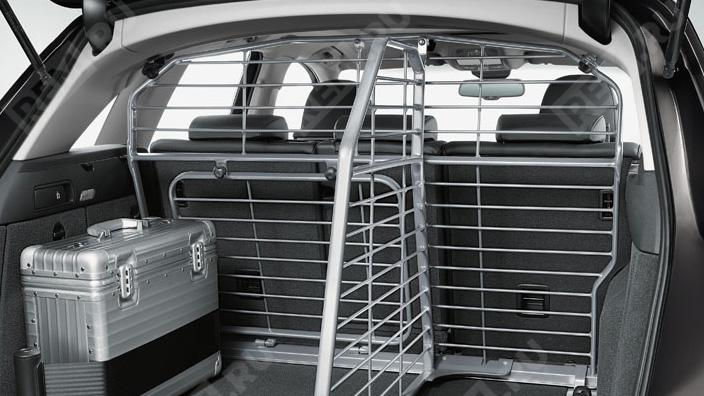 Перегородка багажника продольная  8R0017222