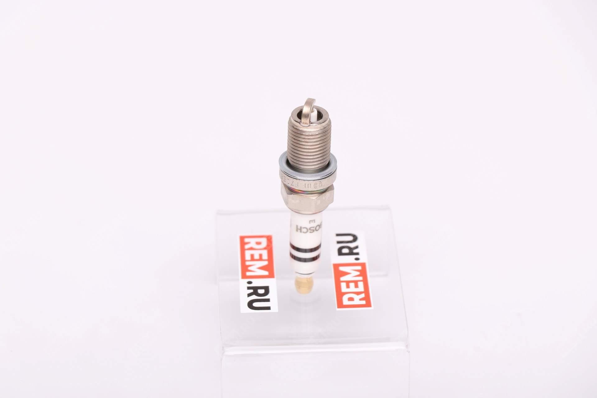 Свеча зажигания 101905610A