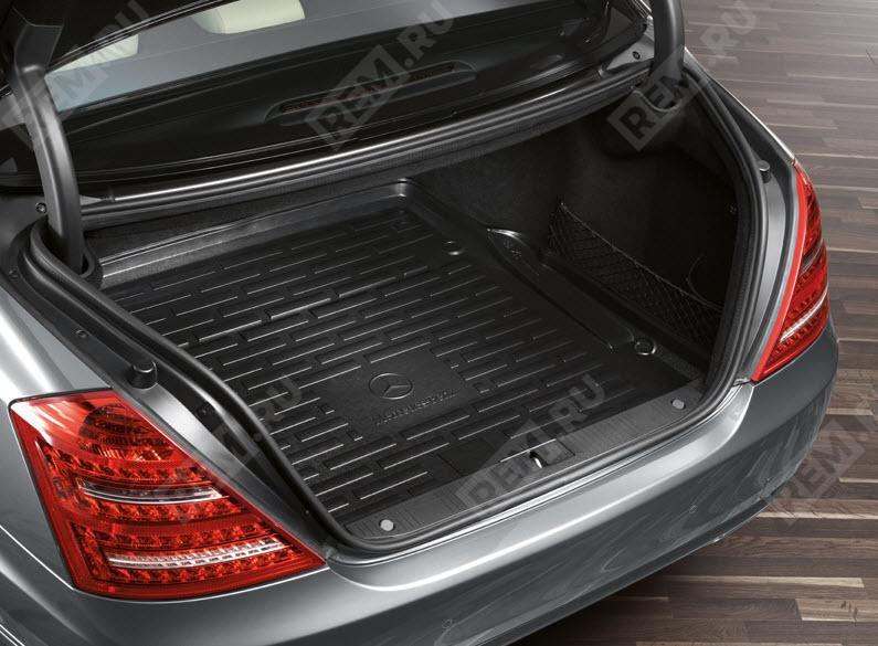 Поддон для багажного отделения плоский Mercedes B66680029