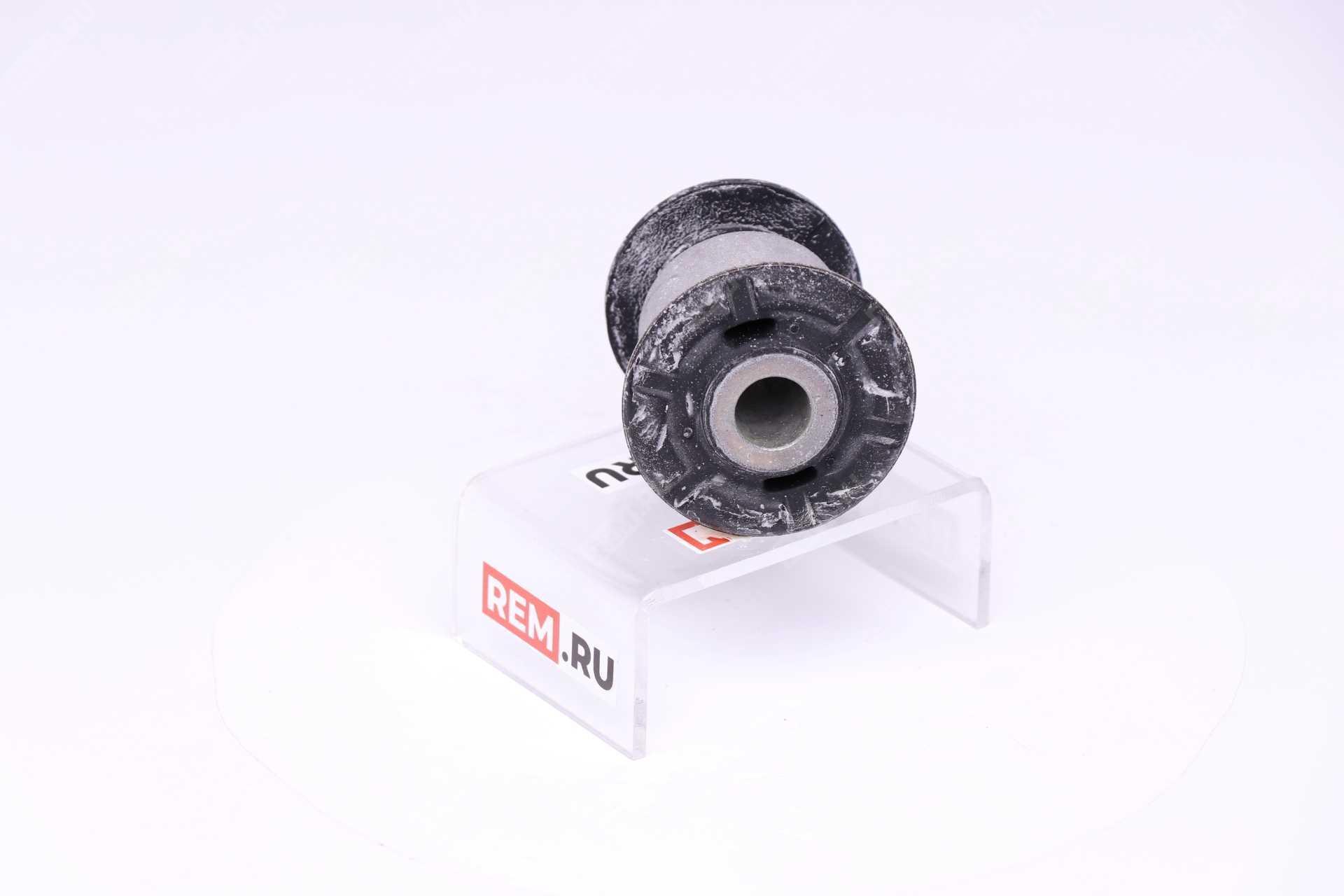 7L8407183  сайлентблок переднего нижнего рычага (фото 1)