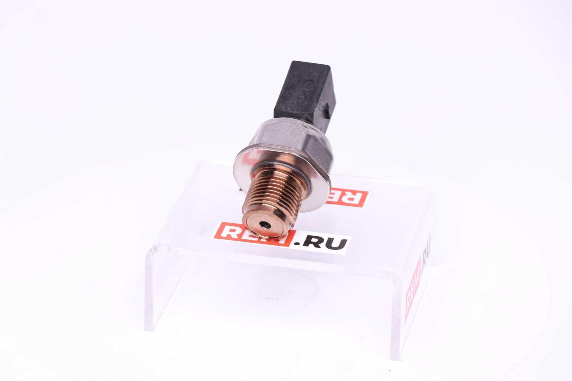 Датчик давления топлива 05A906051
