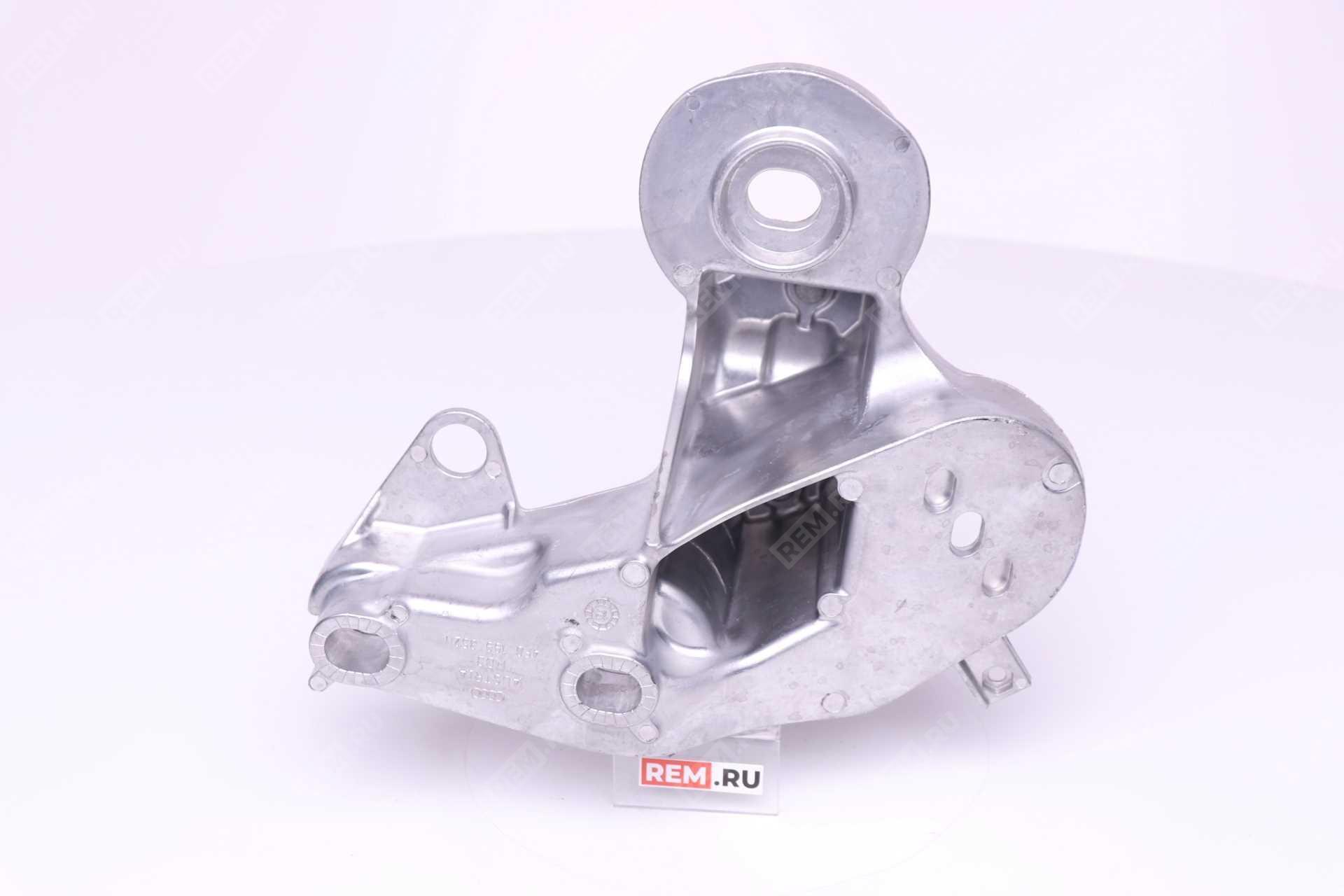 Кронштейн подушки двигателя правой 4F0199352M