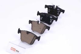 Фото Колодки тормозные задние LR110327